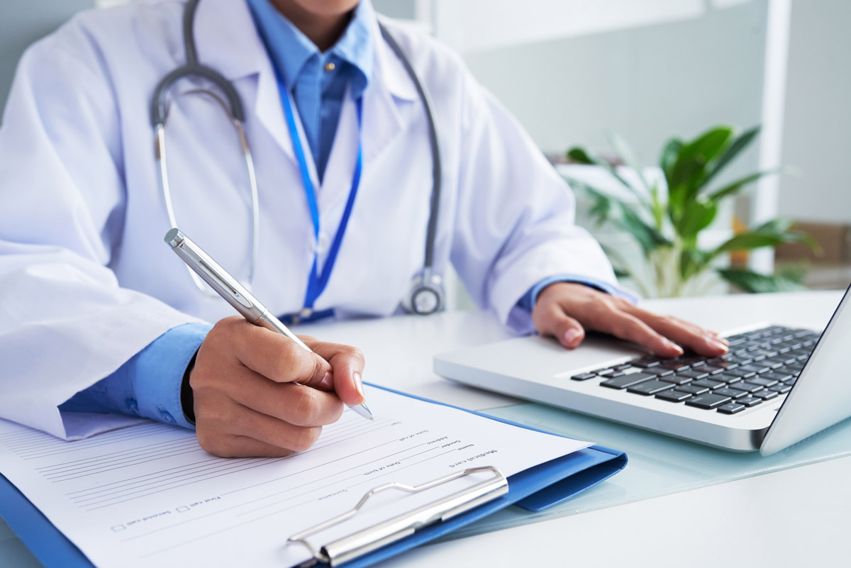 Why Medical Practitioners Need HIPAA Compliant CRM